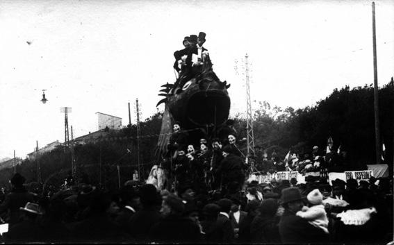 I pescicani al traguardo del fisco di Curzio Caprili - Carri piccoli - Carnevale di Viareggio 1921