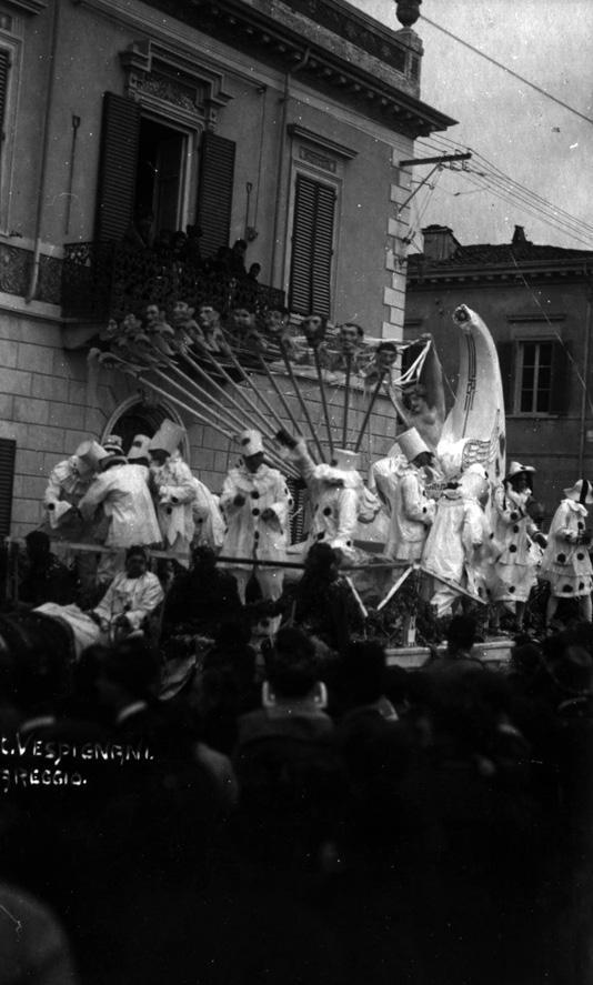 La follia ovvero gli spensierati di Spartaco Di Ciolo - Carri piccoli - Carnevale di Viareggio 1921