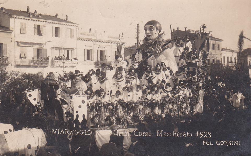 Il carro di Pierrot di Umberto Giampieri - Carri grandi - Carnevale di Viareggio 1923