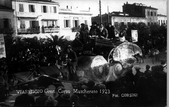 Ragazze in guardia di  - Carri piccoli - Carnevale di Viareggio 1923