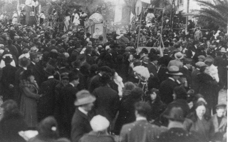 Altalena ambulante di  - Mascherate di Gruppo - Carnevale di Viareggio 1924