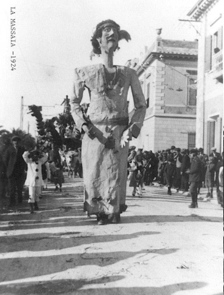 La massaia di  - Maschere Isolate - Carnevale di Viareggio 1924