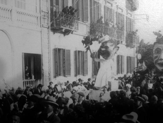 Il giardiniere che dona i fiori di  - Mascherate di Gruppo - Carnevale di Viareggio 1925