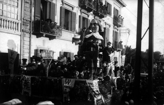 Il principe Carnevale di M. Bernardini - Carri grandi - Carnevale di Viareggio 1926
