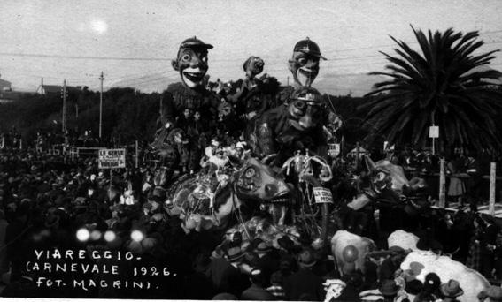 La corsa al premio di Antonio D'Arliano - Carri grandi - Carnevale di Viareggio 1926