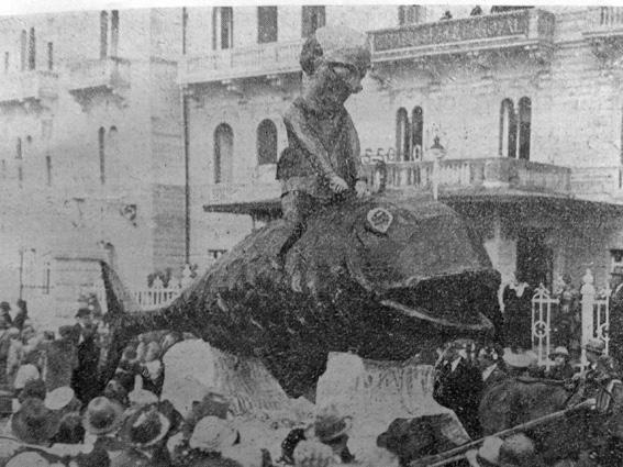 Chi dorme non piglia pesci di Bernardo Malfatti - Carri piccoli - Carnevale di Viareggio 1927