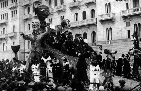 La danza in carnevale di Bernardo Malfatti - Carri grandi - Carnevale di Viareggio 1927