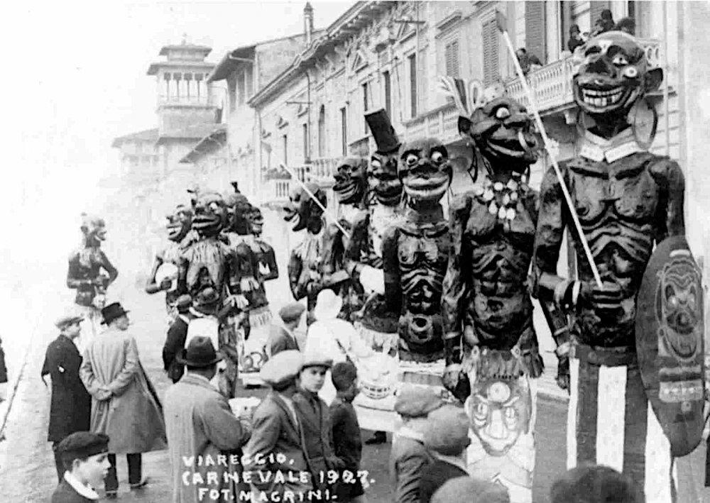 La tribu del Re Kakkardek al... di Marcello Di Volo, Ubaldo Lubrano e Alfredo Morescalchi - Mascherate di Gruppo - Carnevale di Viareggio 1927