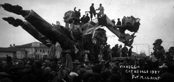 Se le donne pilotassero l aeroplano di Ugo Pellegrini - Carri grandi - Carnevale di Viareggio 1927