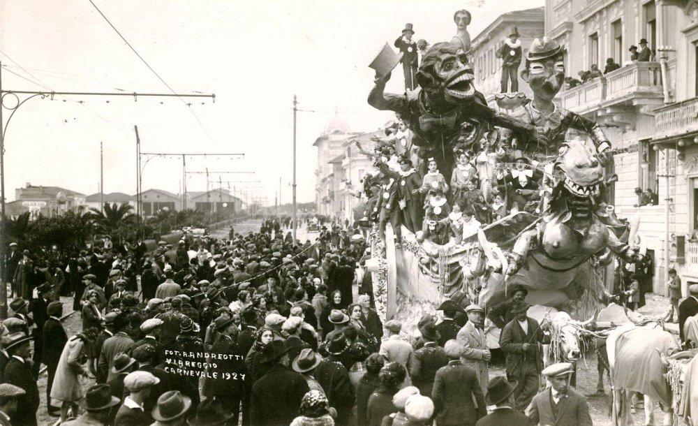Una scimmia presa in carnevale di Antonio D'Arliano - Carri grandi - Carnevale di Viareggio 1927