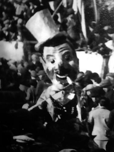 La moglie e al cine di  - Maschere Isolate - Carnevale di Viareggio 1928
