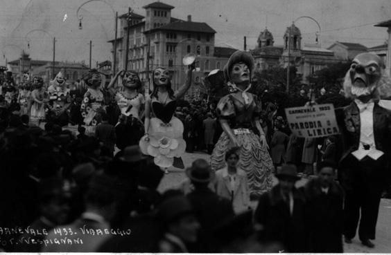 Parodia lirica di Ademaro Musetti - Mascherate di Gruppo - Carnevale di Viareggio 1933