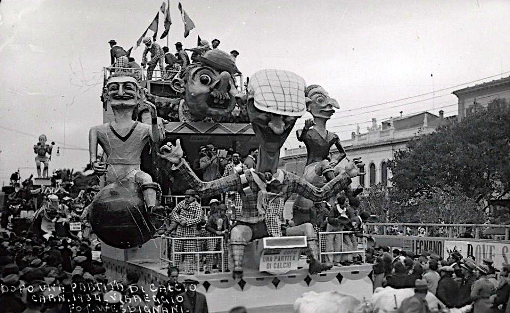 Dopo una partita di calcio di Rolando Morescalchi - Carri piccoli - Carnevale di Viareggio 1934
