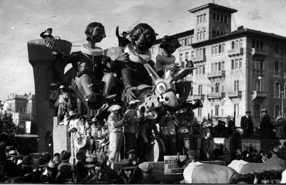 Bertoldo Bertoldino e Cacasenno di Gino Anichini - Carri piccoli - Carnevale di Viareggio 1935