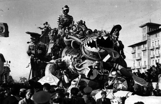 Il vero mostro di Lochness di Guido Lippi - Carri grandi - Carnevale di Viareggio 1935
