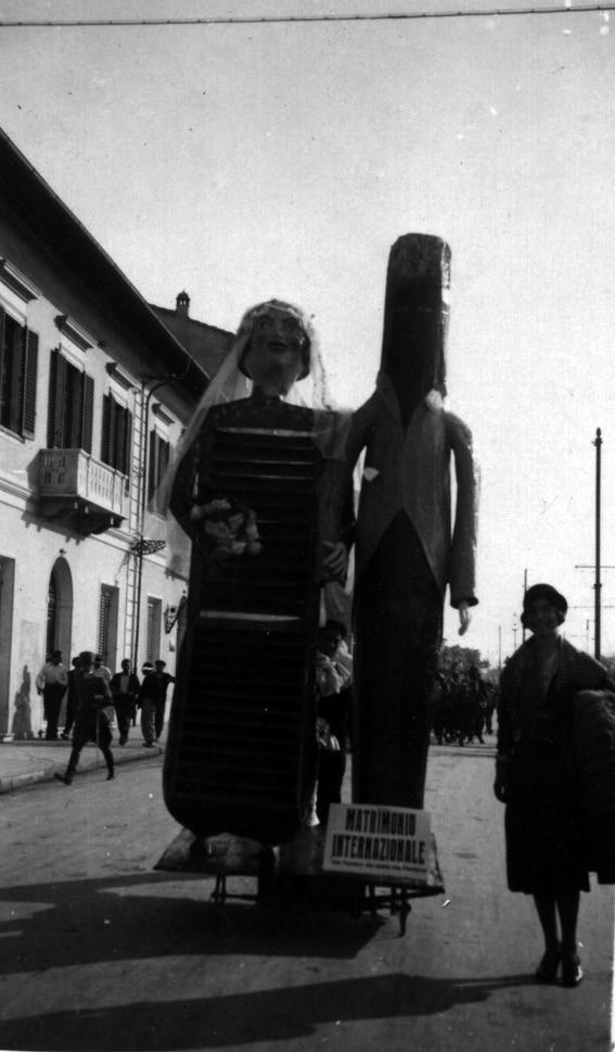 Matrimonio internazionale di Alessandro Bertuccelli - Maschere Isolate - Carnevale di Viareggio 1935