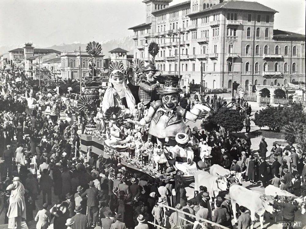 Piffero magico di Michele Pescaglini - Carri piccoli - Carnevale di Viareggio 1935