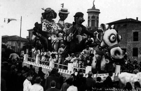 Sulla carrozzella di Sergio Baroni - Carri piccoli - Carnevale di Viareggio 1940