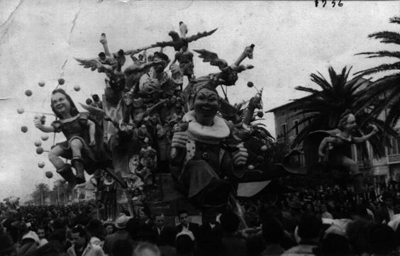 In picchiata al carnevale di Nilo Lenci, Mario Del Carlo e Donatello Donatelli - Carri grandi - Carnevale di Viareggio 1946