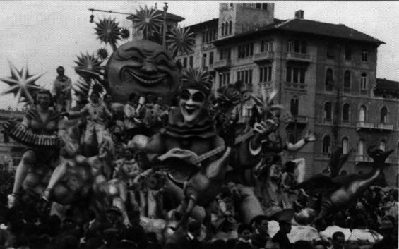 Serenata al chiar di luna di Antonio D'Arliano e Francesco Francesconi - Carri grandi - Carnevale di Viareggio 1946