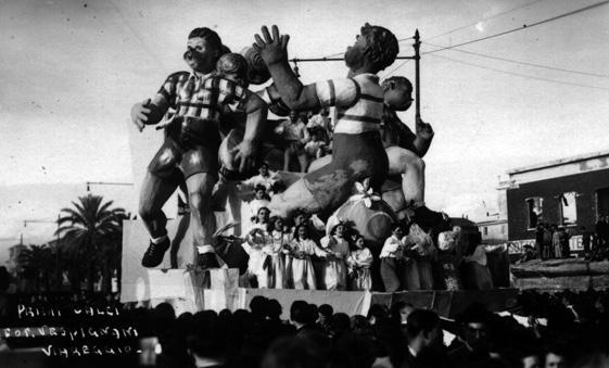 Primi calci di Eugenio Pardini, Francesco Francesconi - Carri piccoli - Carnevale di Viareggio 1947