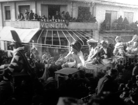 Allegria express di Giorgio Michetti - Mascherate di Gruppo - Carnevale di Viareggio 1949