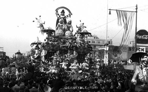 Pioggia carnevalesca di Sergio Baroni - Carri grandi - Carnevale di Viareggio 1949