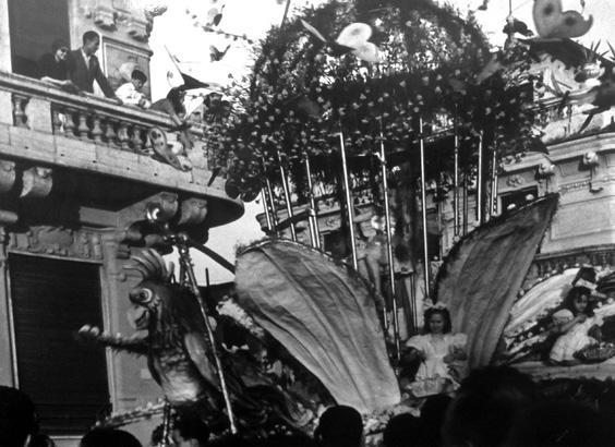 Gabbia delle libellule di  - Carri Fioriti - Carnevale di Viareggio 1950