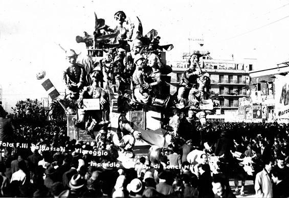 Incendio goloso di Nilo Lenci - Carri piccoli - Carnevale di Viareggio 1950