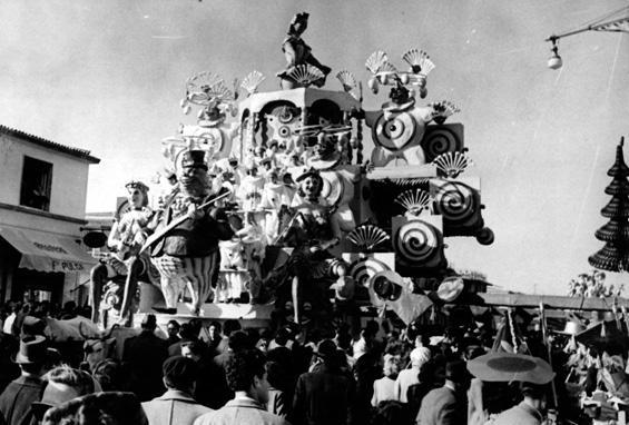 Tiro nel segno di Oreste Lazzari - Carri piccoli - Carnevale di Viareggio 1950