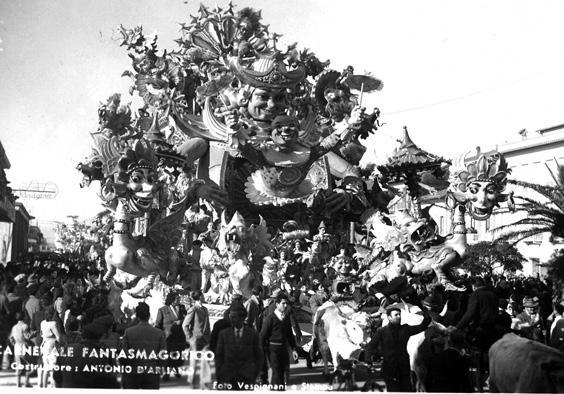 Carnevale fantasmagorico di Antonio D'Arliano - Carri grandi - Carnevale di Viareggio 1952