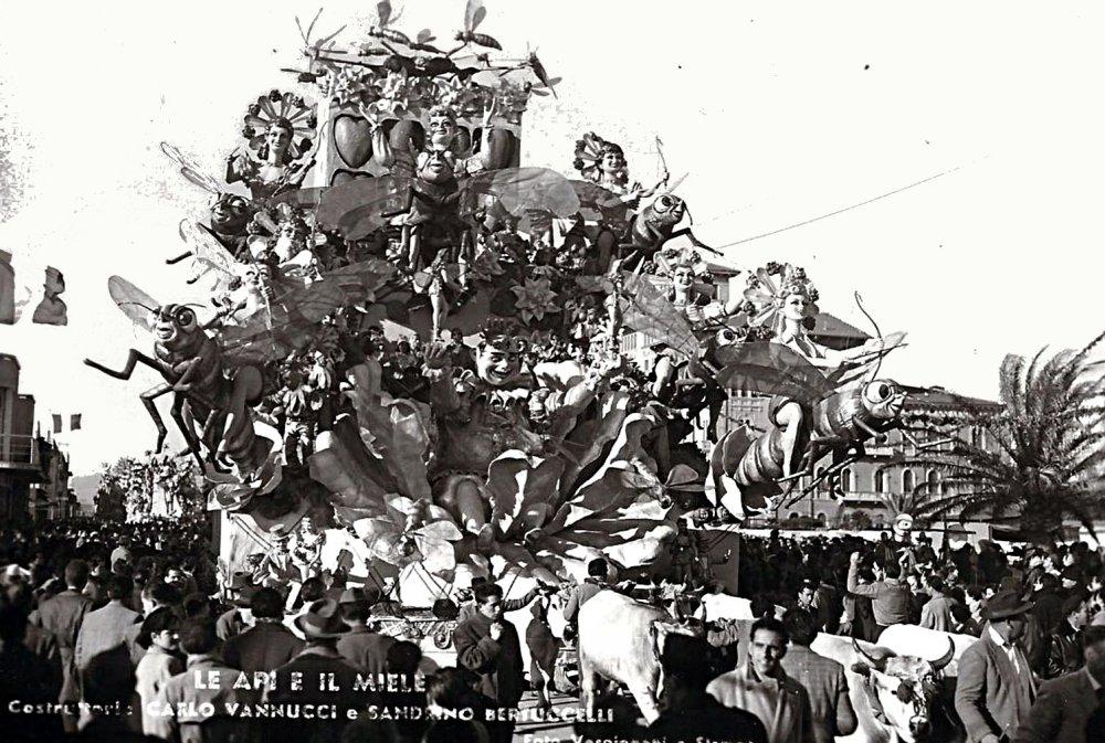 Le api ed il miele di Carlo Vannucci e Sandro Bertuccelli - Carri grandi - Carnevale di Viareggio 1952