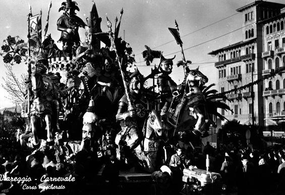 Le dame, i cavalieri, l'armi... di Michele Pardini, Ademaro Musetti - Carri grandi - Carnevale di Viareggio 1953