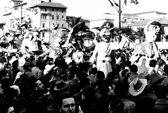 All'arrembaggio di Davino Barsella - Mascherate di Gruppo - Carnevale di Viareggio 1954