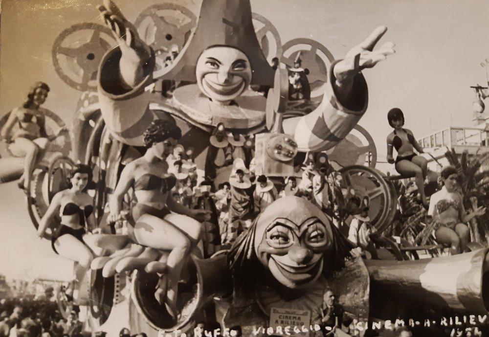 Cinema a rilievo di Silvano Avanzini e Francesco Francesconi - Carri grandi - Carnevale di Viareggio 1954