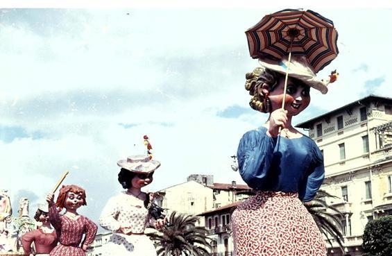 Sesso debole di Oreste Lazzari - Complessi mascherati - Carnevale di Viareggio 1954