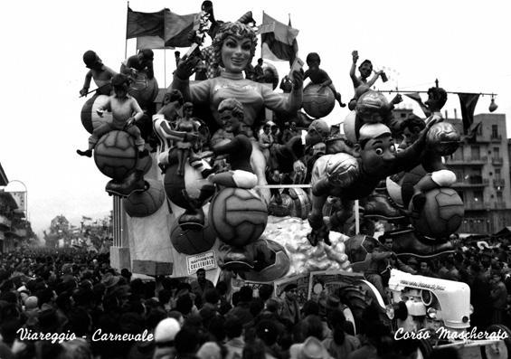 Allenamento collegiale di Silvano Avanzini e Francesco Francesconi - Carri grandi - Carnevale di Viareggio 1955