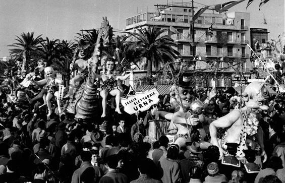I voti che pesano di Nilo Lenci - Complessi mascherati - Carnevale di Viareggio 1956