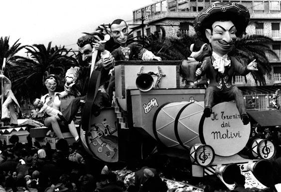 Il trenino dei motivi di Giovanni Lazzarini - Complessi mascherati - Carnevale di Viareggio 1956