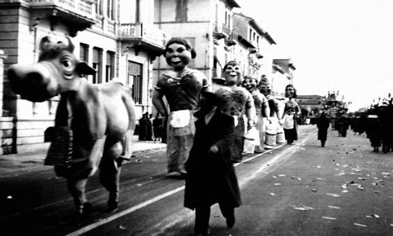 La centrale del latte di Raffaello Giunta - Mascherate di Gruppo - Carnevale di Viareggio 1956