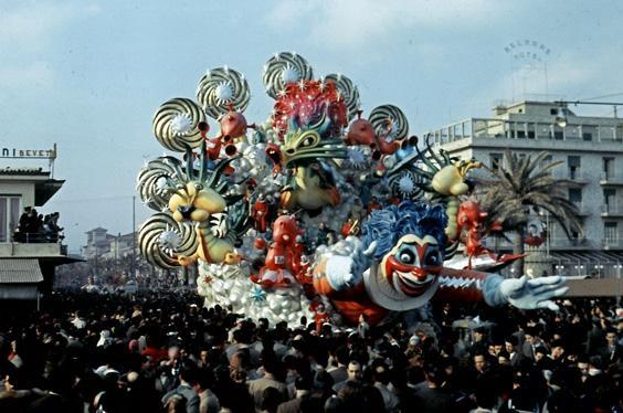 Messaggeri dello spazio di Silvano Avanzini e Francesco Francesconi - Carri grandi - Carnevale di Viareggio 1957