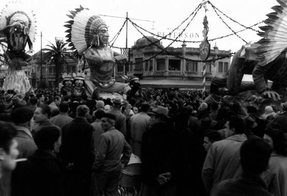 Tribù a convegno di Arnaldo Galli - Complessi mascherati - Carnevale di Viareggio 1958