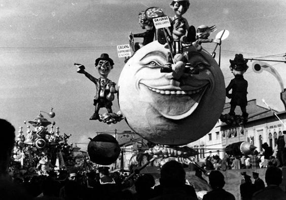 Chi tardi arriva, male alloggia di Amedeo Mallegni - Complessi mascherati - Carnevale di Viareggio 1960
