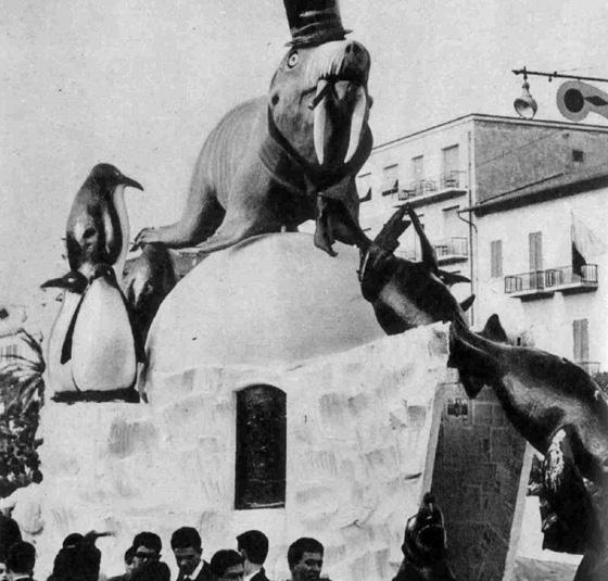 Ghiaccio bollente ovvero turismomania polare di Carlo Bomberini - Complessi mascherati - Carnevale di Viareggio 1960