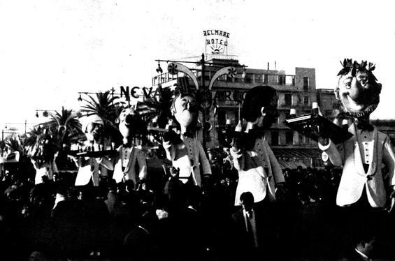 Corsa di carnevale di Fabio Malfatti - Mascherate di Gruppo - Carnevale di Viareggio 1961
