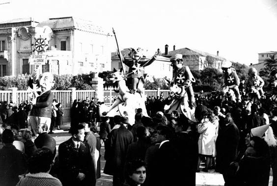 La carica... alle cariche di Renato Galli - Complessi mascherati - Carnevale di Viareggio 1962