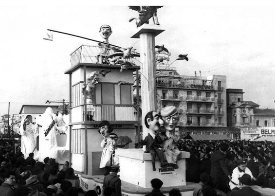 Cronaca familiare di Carlo Bomberini - Complessi mascherati - Carnevale di Viareggio 1963