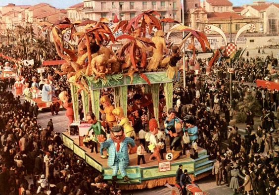 E le scimmie stanno a guardare di Arnaldo Galli - Carri grandi - Carnevale di Viareggio 1963