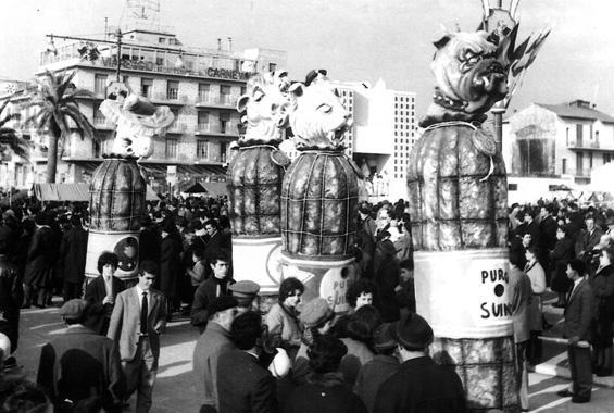 Porcherie d'oggi di Giovanni Lazzarini - Complessi mascherati - Carnevale di Viareggio 1963