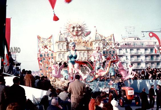 La casta azzurra di Antonio D'Arliano - Carri grandi - Carnevale di Viareggio 1964